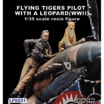 Flying Tigers Pilot w. a Leopard WWII - Legend 1/35