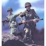 Rushing to Normandy w. Base - Legend 1/35