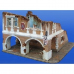 Haus (Ruine) mit Passage - Plus Model 1/35
