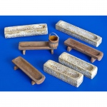 Wooden and Stone Feed-Troughs - Plus Model 1/35