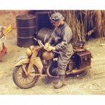 DKW German Motorcycle Rider WWII - Royal Model 1/35