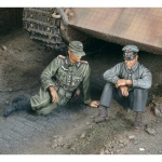 A moment of rest Tank German Crew-2 fig.WWII - Royal...