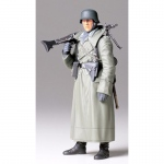 German Machine Gunner (Greatcoat) - Tamiya 1/16