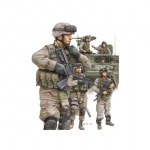 Modern U.S. Army Armor Crewman & Infantry - Trumpeter 1/35