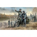 BMW R12 Motorcycle w. Rider and Officer - Zvezda 1/35