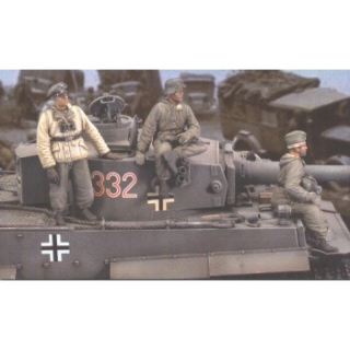 German Tiger I Crew Eastern Front WWII - Royal Model 1/35